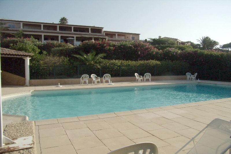 Photo Appartement Sainte-Maxime Proche plages,  Location saisonnière appartement  4 pièces   73m²