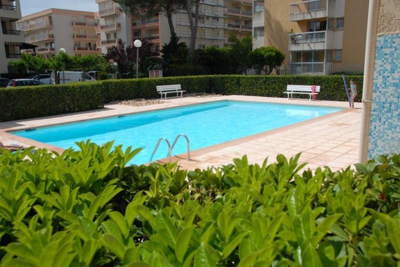 Photo Apartment Sainte-Maxime Proche plages,  Vacation rental apartment  1 room   28m²