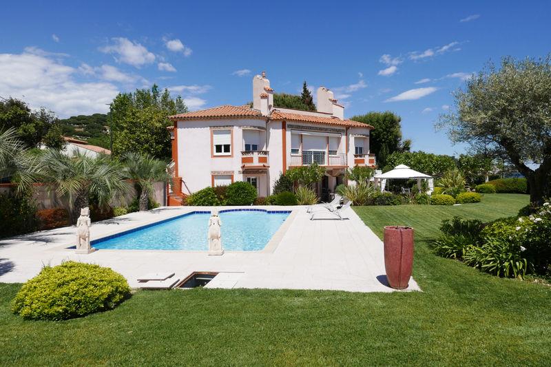 Photo Villa Sainte-Maxime Bord de mer,  Vacation rental villa  5 bedroom   296m²