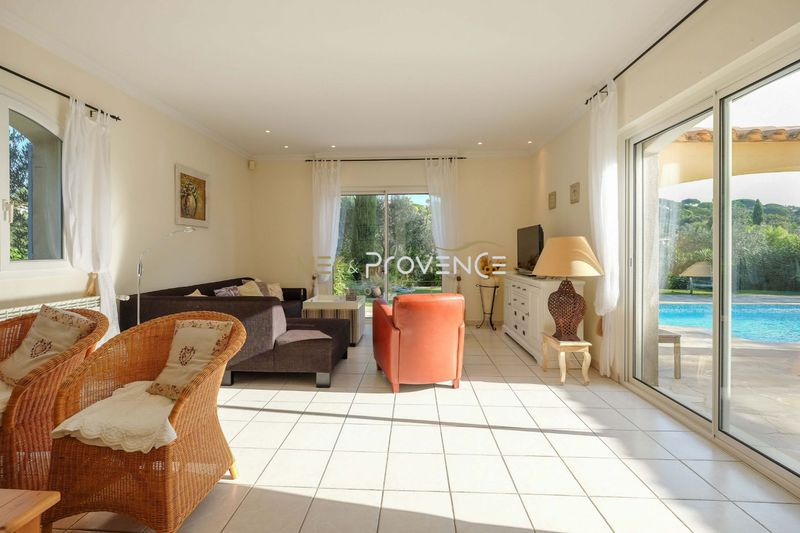 Photo n°3 - Vente Maison villa Sainte-Maxime 83120 - 990 000 €