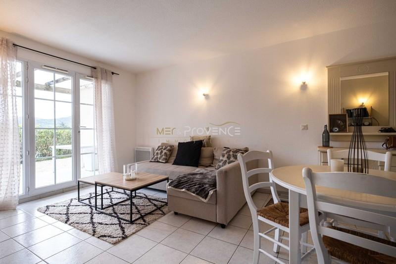 Photo n°2 - Vente appartement Le Plan-de-la-Tour 83120 - 165 000 €