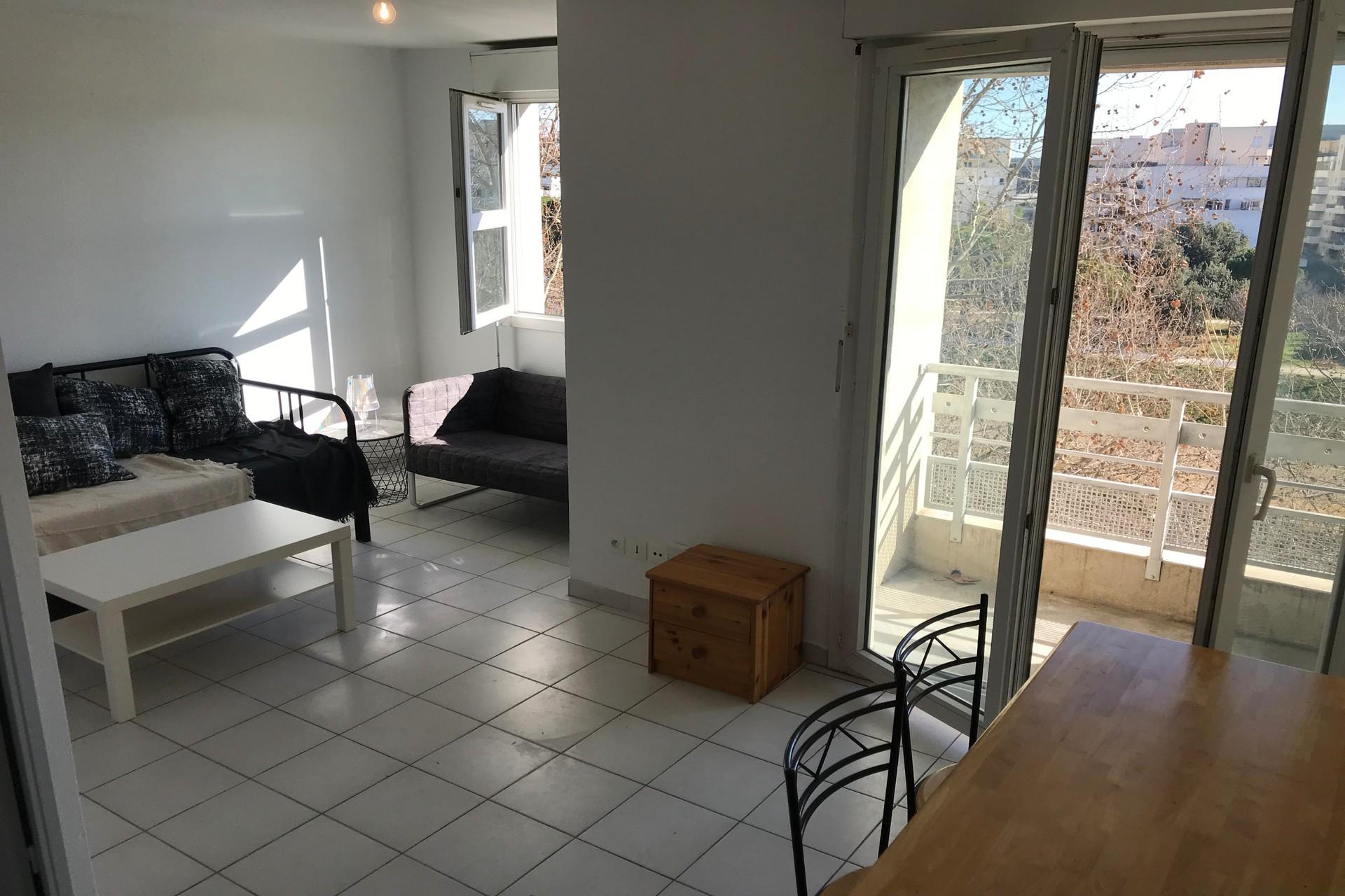 Photo Appartement Montpellier  Location appartement  1 pièce   21m²