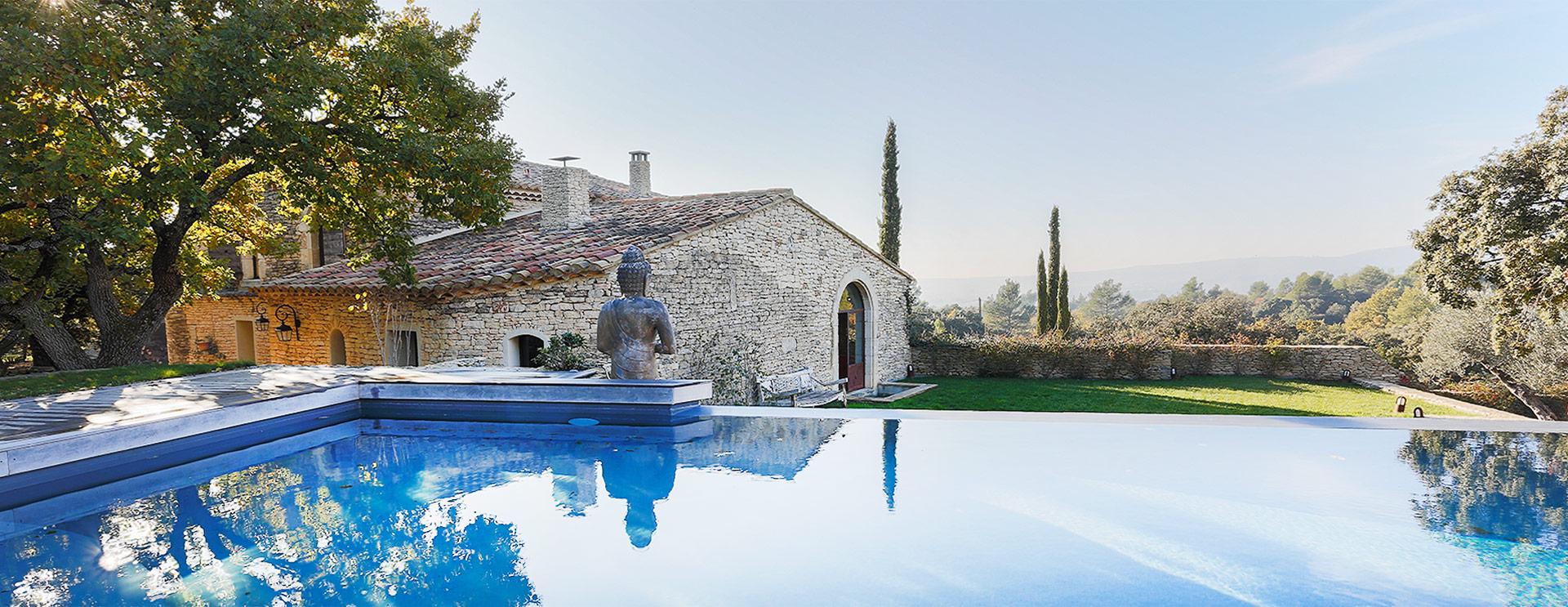 Propriété de charme en Provence, dans les Alpilles et le Luberon.
