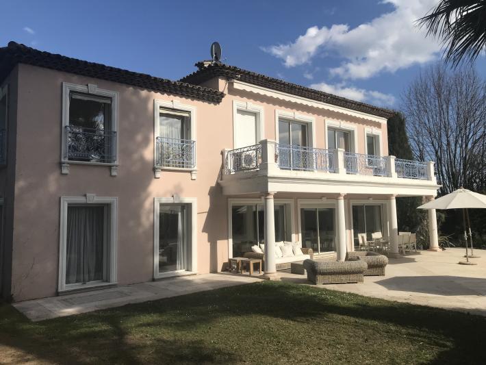 Photos Propriété à vendre quartier résidentiel des Colles face à la colline du Vieux Village de Mougins