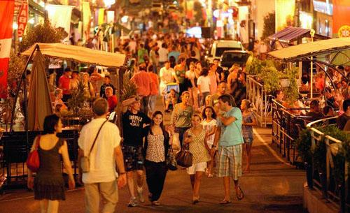 Photos Le shopping de nuit en Corse