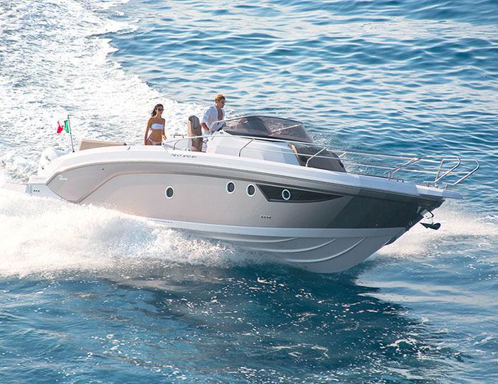 Photos Locations de bateaux à moteur à Cavalaire