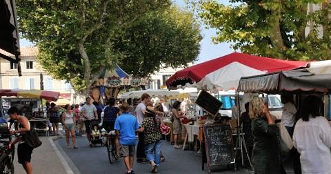Photos Les marchés paysans et provençaux