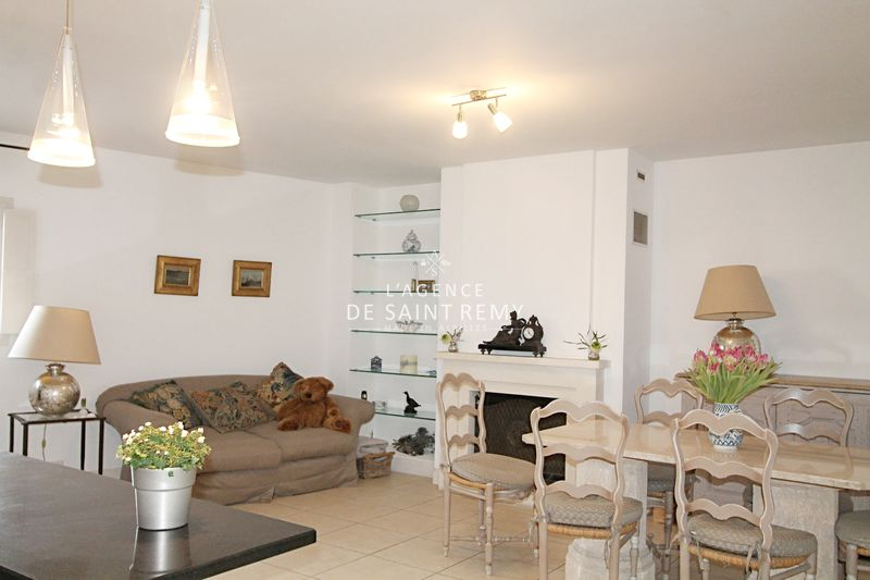 Photo n°3 - Vente appartement Saint-Rémy-de-Provence 13210 - 455 000 €
