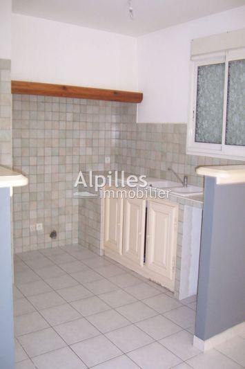 Maison de village Mouriès  Location maison de village  1 chambre   65m²