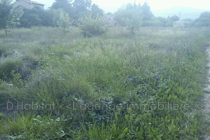 Photo n°1 - Vente terrain constructible Solliès-Pont 83210 - 264 000 €
