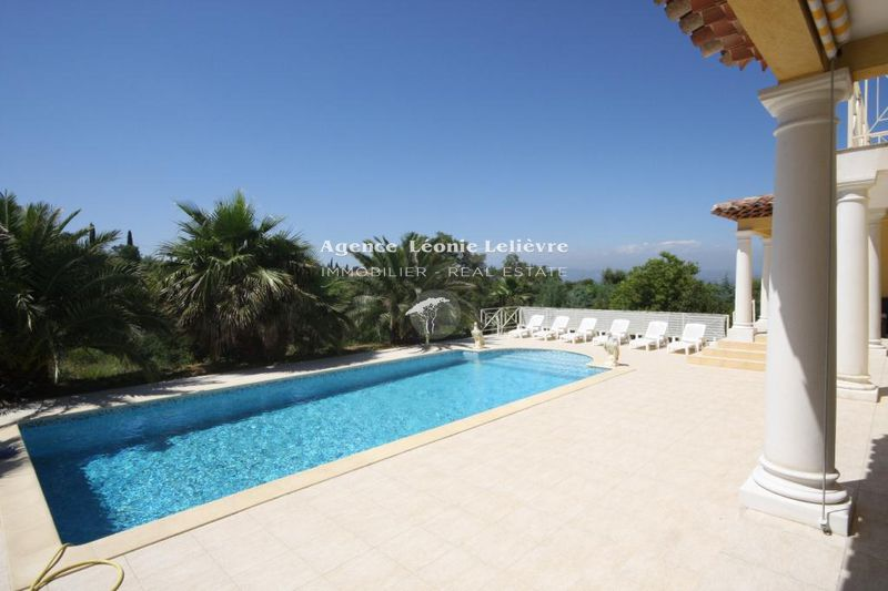 Photo Villa Saint-Aygulf   to buy villa  4 bedroom   180 m²