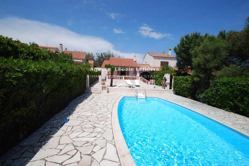 Photo Villa Les Issambres   to buy villa  2 bedrooms   55 m²