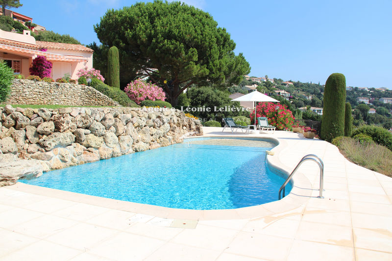 Photo Villa Les Issambres   to buy villa  4 bedrooms   183 m²