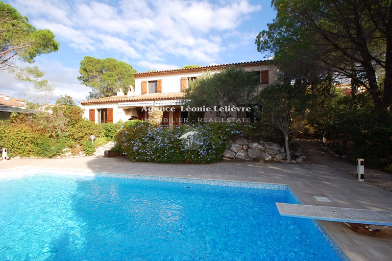 Photo Villa Les Issambres   to buy villa  4 bedrooms   146 m²
