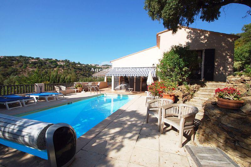 Photo Villa provençale Les Issambres   achat villa provençale  4 chambres   135m²