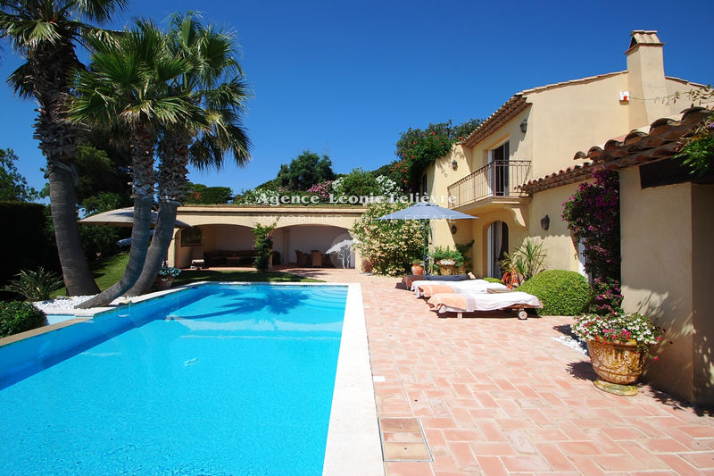 Photo Villa Les Issambres   to buy villa  5 bedrooms   262 m²
