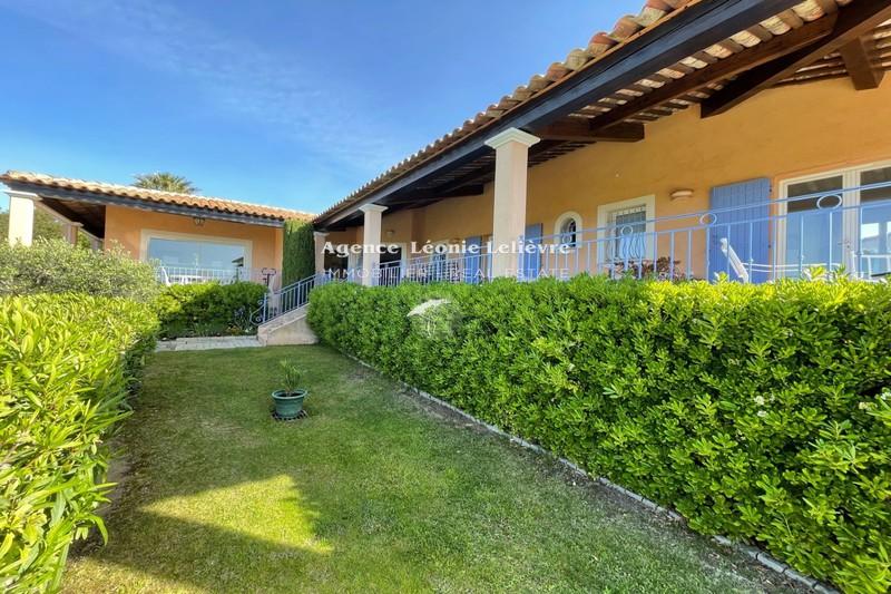 Photo Villa Les Issambres   achat villa  4 chambres   165m²