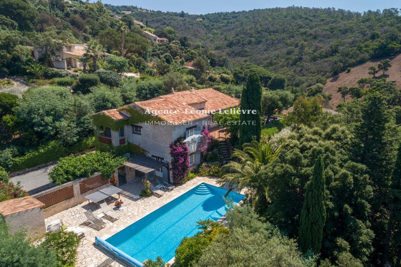 Photo Villa Les Issambres   to buy villa  5 bedrooms   200 m²