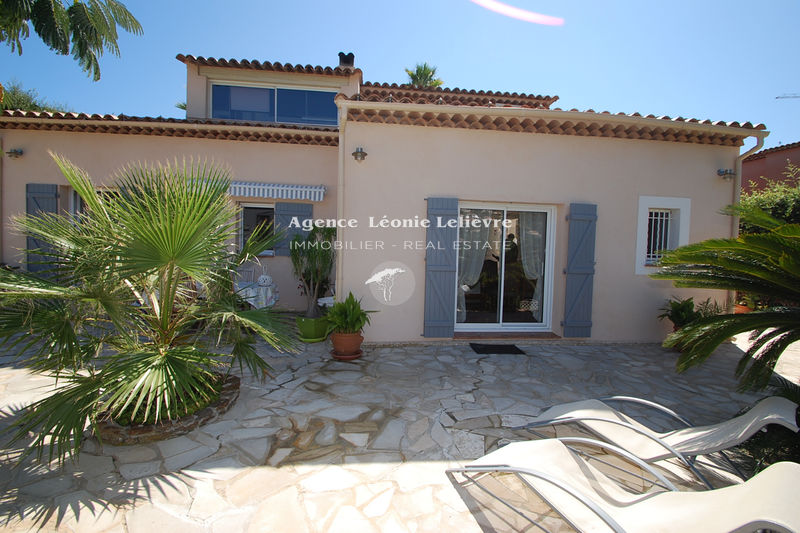 Photo House Les Issambres   to buy house  3 bedrooms   126 m²