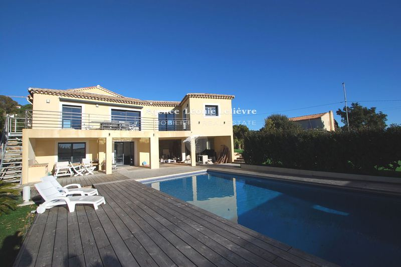 Photo Villa Les Issambres   to buy villa  5 bedrooms   230 m²