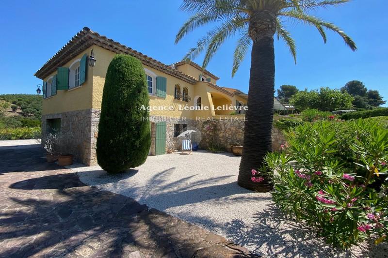 Photo Provençal villa Les Issambres Proche plages,   to buy provençal villa  5 bedrooms   188m²