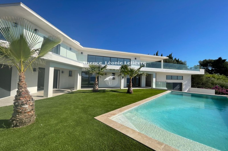 Photo Villa Les Issambres   achat villa  5 chambres   251m²