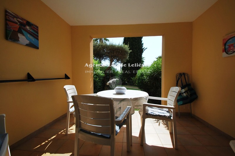 Photo Apartment Les Issambres Proche plages,   to buy apartment  2 rooms   32 m²