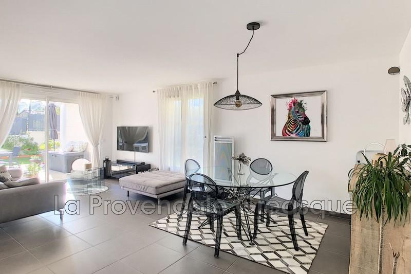 appartement  3 pièces  Châteauneuf-le-Rouge   70m² -