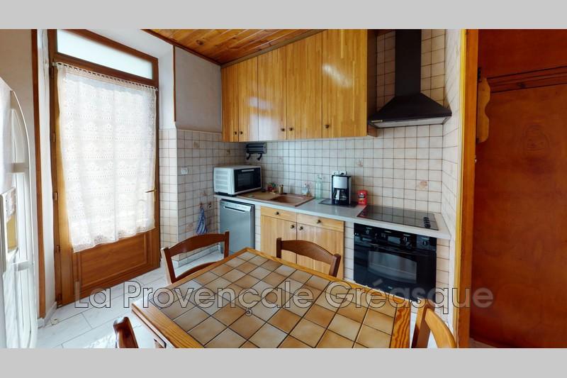 appartement  3 rooms  Saint-Savournin   46m² -