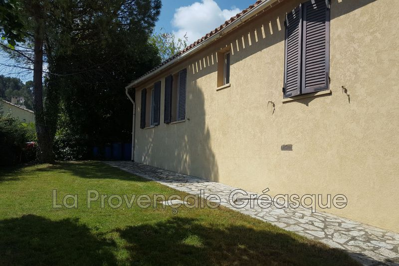maison  5 pièces  Saint-Savournin   90m² -