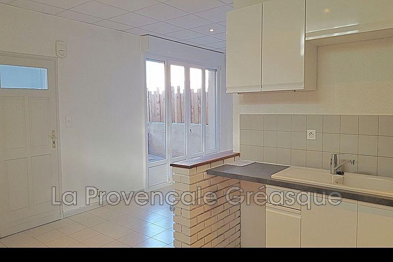 Photo Appartement Fuveau Centre-ville,   achat appartement  3 pièces   70m²