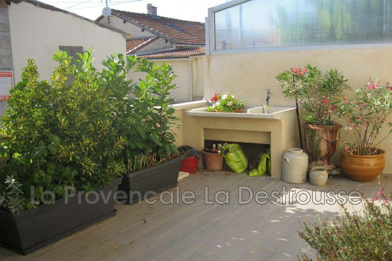 Photo Maison de village Gréasque  Location maison de village  3 pièces   80m²