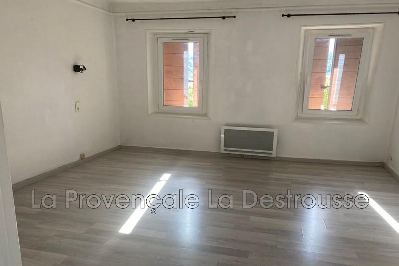 maison  2 pièces  Roquevaire Centre-ville  50m² -