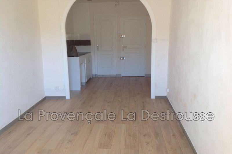 Photo Appartement Roquevaire  Location appartement  2 pièces   42m²