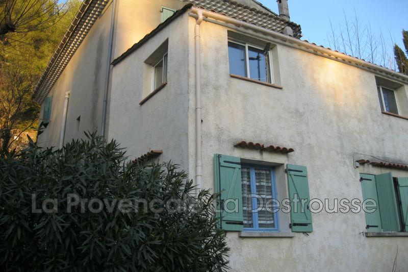 appartement  3 pièces  Gémenos   49m² -