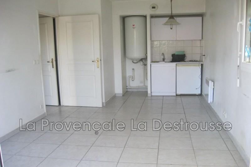 Photo n°2 - Location appartement Marseille 13009 - 715 €