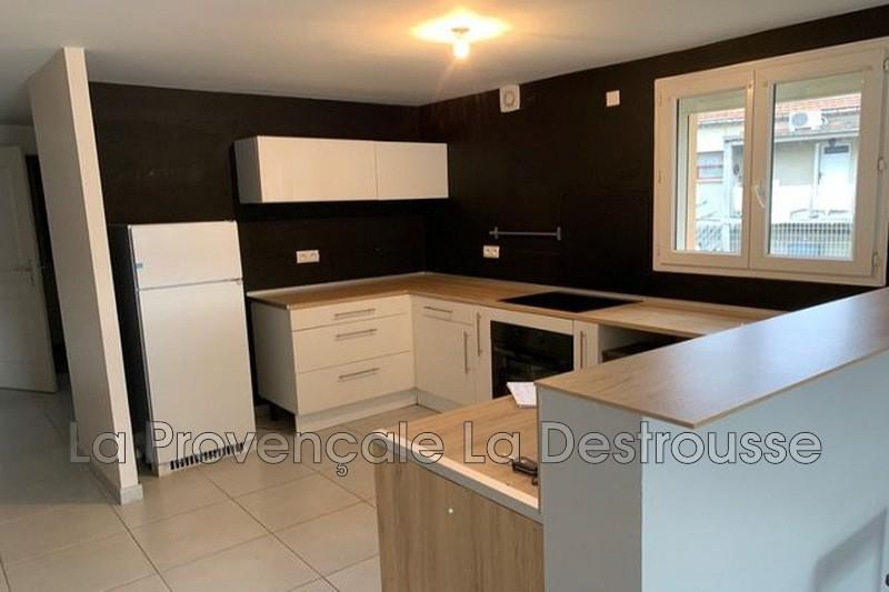 appartement  3 pièces  Peypin   80m² -