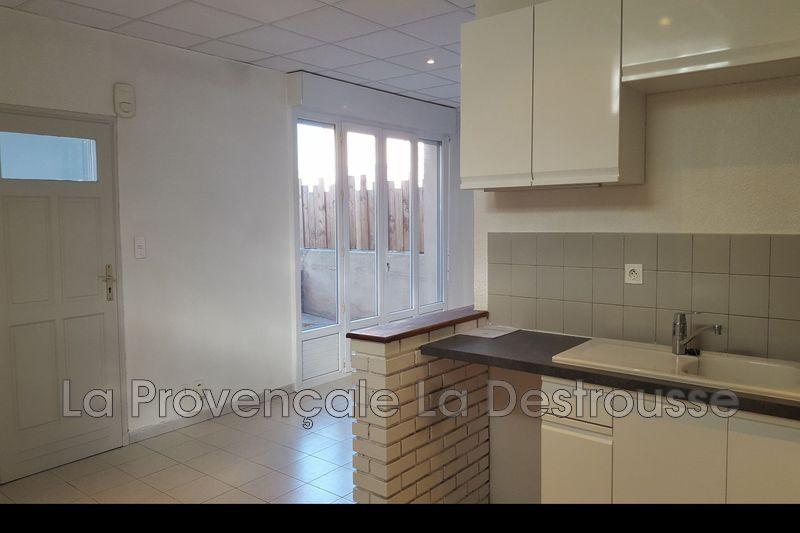 Photo Appartement Fuveau Centre-ville,   achat appartement  3 pièces   65m²