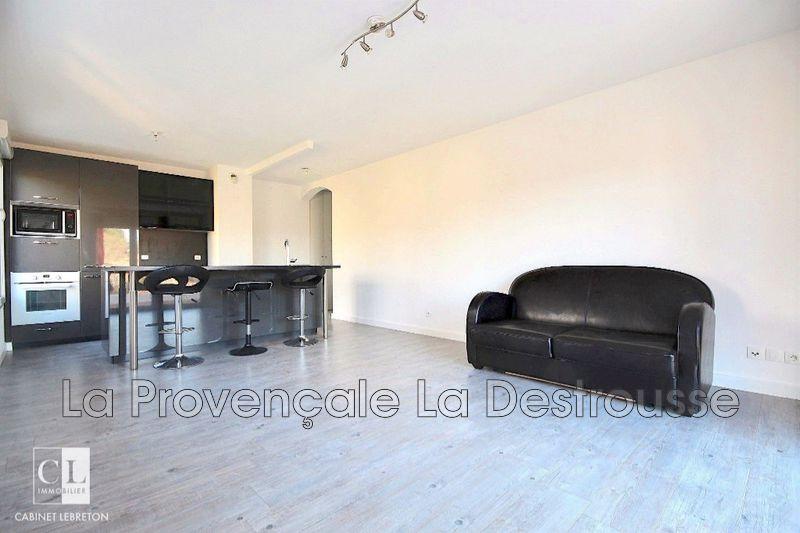appartement  3 pièces  La Destrousse   68m² -
