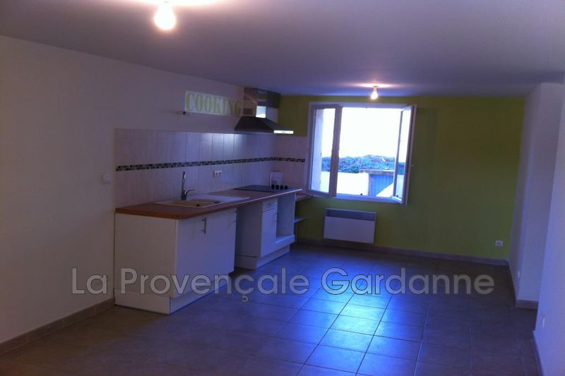 appartement  2 pièces  Rousset Hors agglomération  57m² -