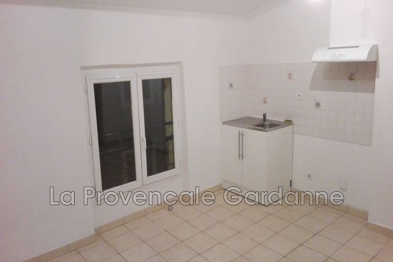 appartement  2 rooms  Gardanne   32 m² -