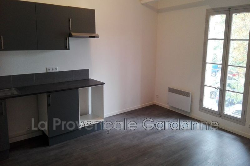 appartement  3 pièces  Gardanne   59m² -
