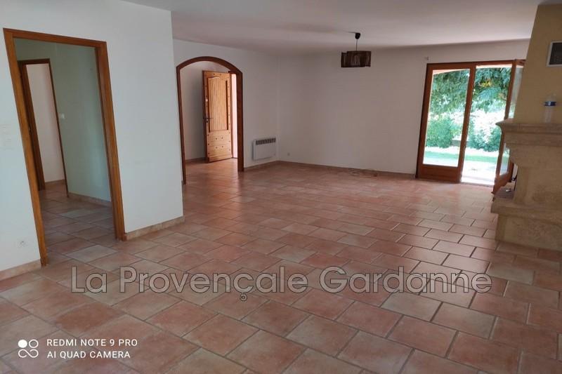 maison  4 pièces  Simiane-Collongue   104m² -