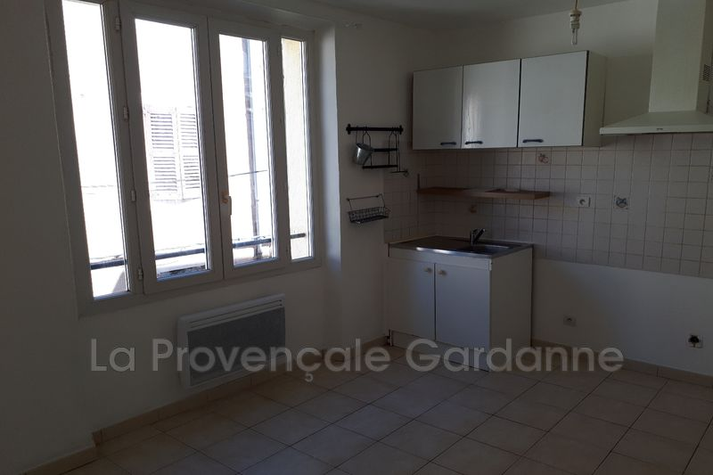 Photo Appartement Gardanne Centre-ville,  Location appartement  2 pièces   32 m²