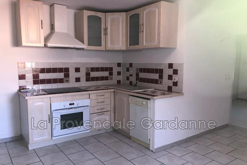 appartement  2 pièces  Meyreuil   30m² -