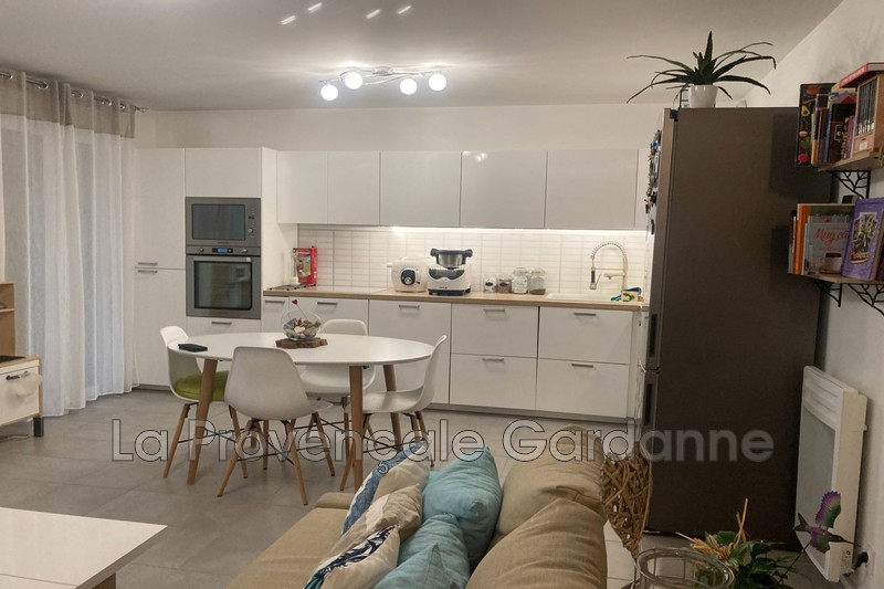 appartement  4 rooms  Meyreuil   82m² -