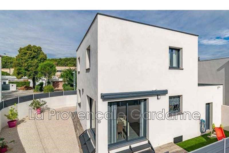 maison  4 pièces  Gardanne   105m² -