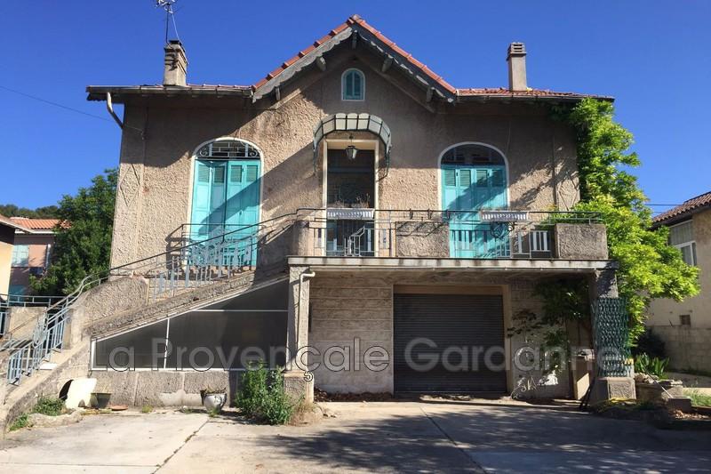 maison  4 pièces  Gardanne Proches des commodités  80m² -