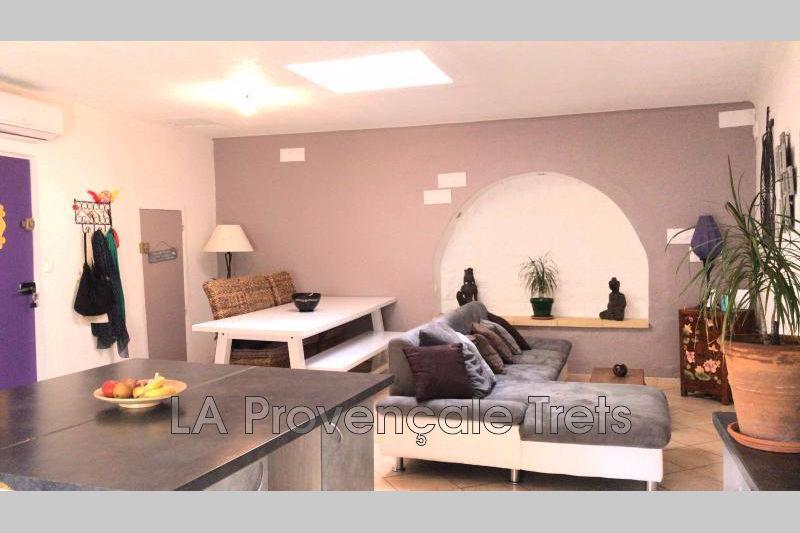 Photo Appartement Pourrières Centre-ville,   achat appartement  4 pièces   85m²