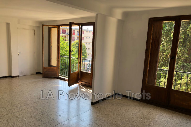 Photo Appartement Aix-en-Provence Centre-ville,   achat appartement  4 pièces   71m²